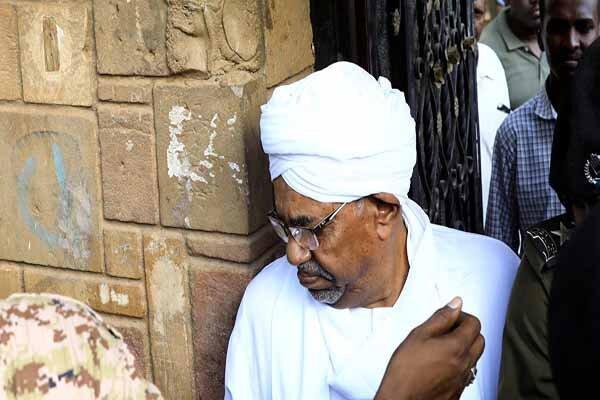 محاکمه عمر البشیر به تعویق افتاد